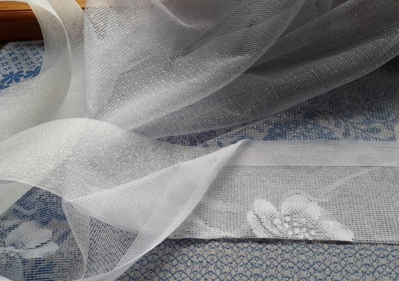 Установка люверсной ленты на занавеске из прозрачного тюля