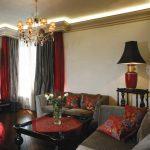 Место для отдыха в гостиной городской квартиры