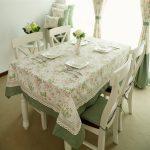 Милая зелено-розово-белая скатерть в стиле прованс