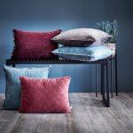 Мягкие декоративные подушки из велюровой ткани