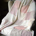 Нежный плед из свитеров с подкладочной тканью