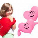 Оригинальные подушки-обнимашки розовые и красные