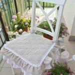 Подушка-сидушка с рюшами для уличной мебели