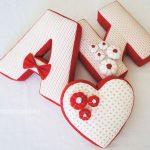 Подушки именные и в форме сердце