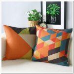 Подушки с геометрическим рисунком для декора