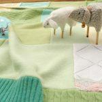 Покрывало из шерстяных свитеров