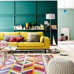 Разноцветные диванные подушки - как яркий акцент в интерьере
