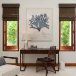 Римские шторы на узких окнах частного дома