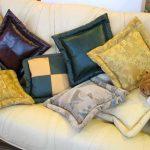 Самодельные квадратные декоративные подушки с ушками