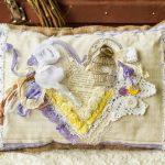 Шикарная подушка в стиле прованс ручной работы