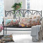 Шикарные подушки для кованной скамейки в стиле прованс