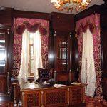 Шторы в классическом интерьере гостиной
