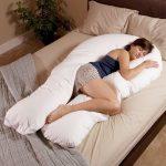 Такая подушка будет станет оригинальным элементом декора