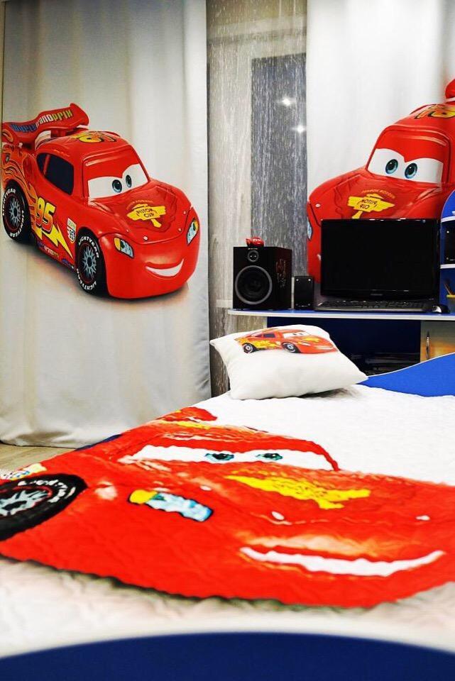 Фотопринт на текстиле в спальне для маленького мальчика