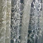 Красивая вуаль для оформления окон в спальне