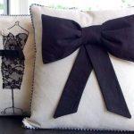 Женский вариант декоративных подушек