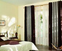 Двухцветные шторы и тюль на кольцах в спальню