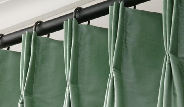 Фото французской складки шторы на круглом карнизе