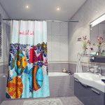Дизайнерские шторки в интерьере ванной