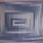Серо-голубой большой плед спицами из полосок