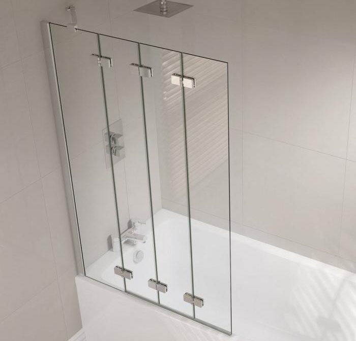 Четыре стеклянные секции шторки-гармошки