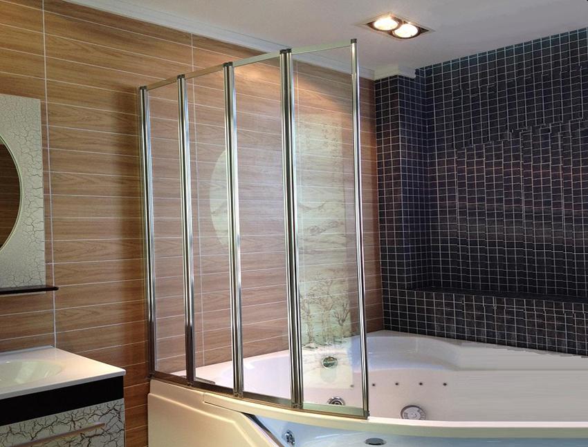 Угловая ванна с перегородкой из стекла