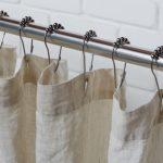 Крючки с декором для закрепления занавески в ванной