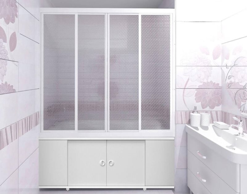 Интерьер ванной комнаты с раздвижной шторкой из пластика