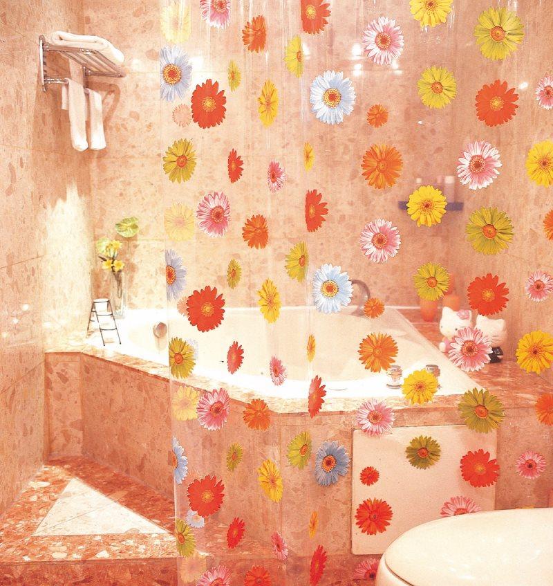 Прозрачная шторка из полиэтилена с цветочками