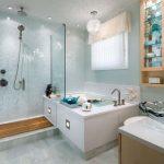 Современная ванна с гидромассажем