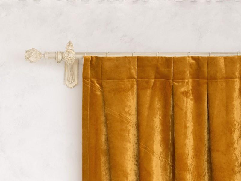 Бархатная штора с односторонними складками