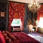 Яркие шторы с ламбрекеном для роскошной спальни