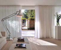 дизайн штор для гостиной минимализм