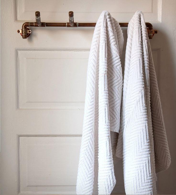 вешалка для полотенец из кранов