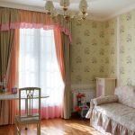 Занавески с ламбрекеном в спальне девочки