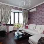 Фиолетовый цвет в оформление гостиной