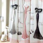 Модная шторка для дамской ванной комнаты