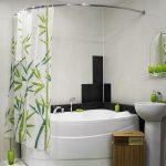 Угловая ванна в современной квартире