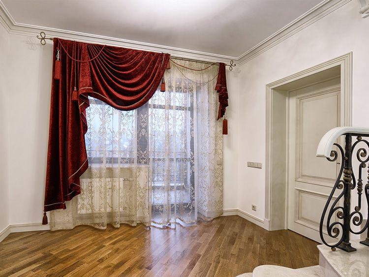 ассиметричные шторы в гостиной