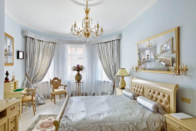 классические шторы в спальню
