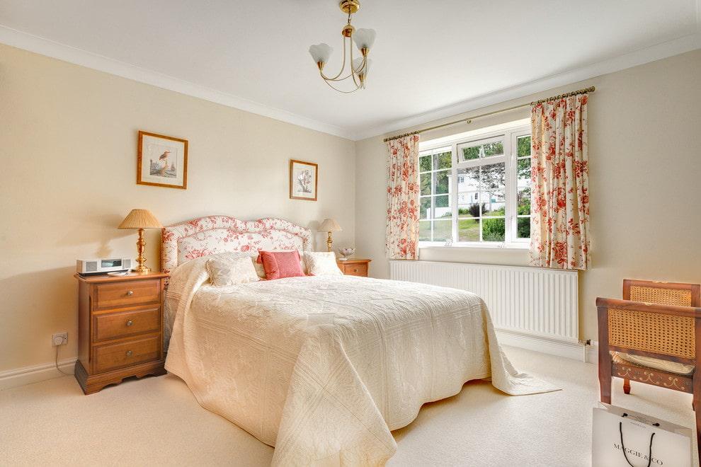 короткие шторы в спальне фото дизайн