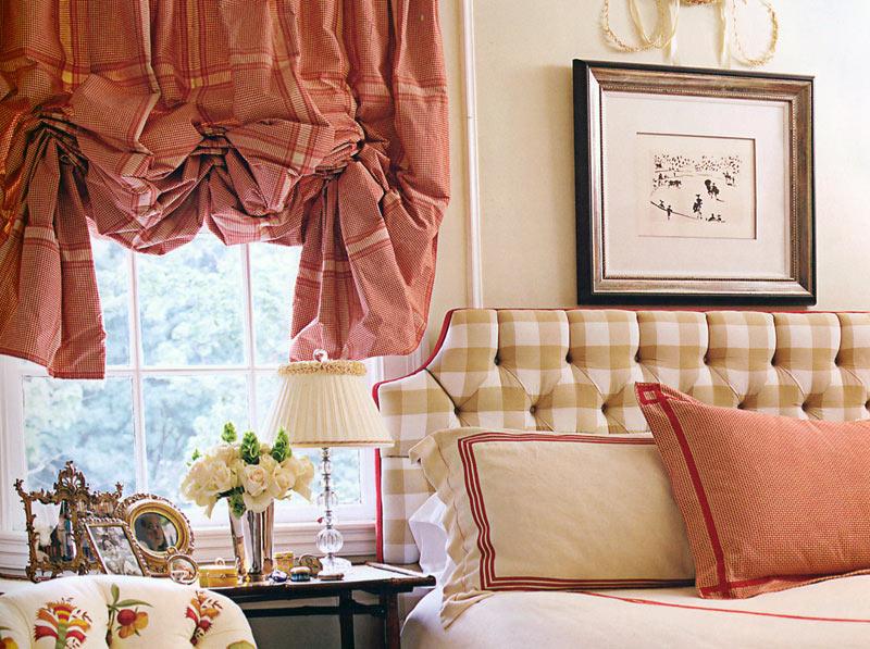 короткие шторы до подоконника в спальню фото интерьер