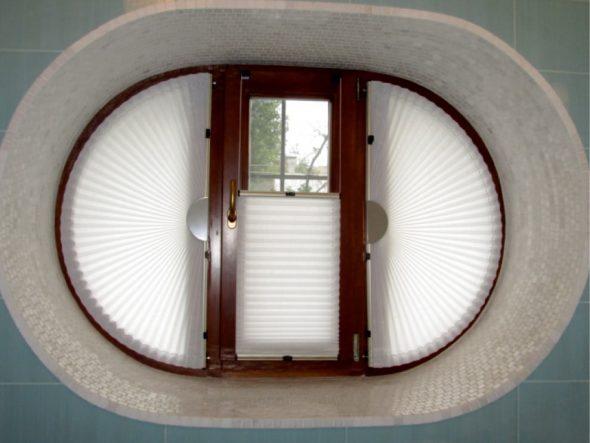 Шторы плиссе для овального окна