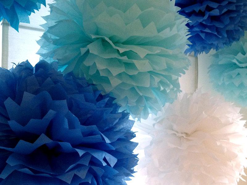 помпоны из бумажных салфеток оформление