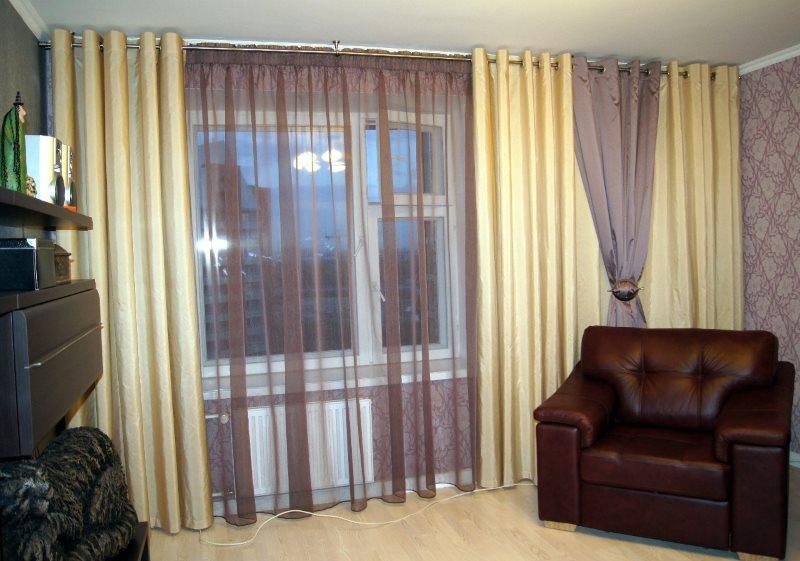 Подбор тюля и штор под обои в гостиной