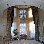 Шикарные шторы для огромных окон в частном доме