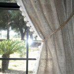шторы из рогожки с кружевом