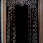 Красивое плетение на шторе в технике макраме