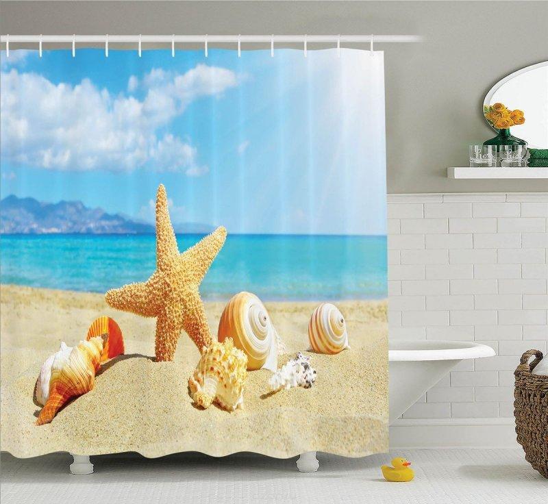 Шторка с морской тематикой в интерьере ванной