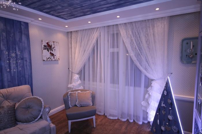 шторы из вуали в гостиной